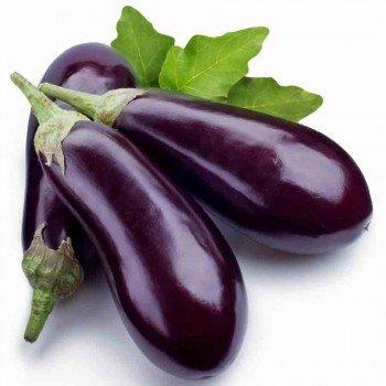 Aubergine violette en tas